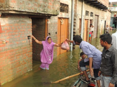 Emergency Relief to Victims of Flood at Varanasi - Indo
