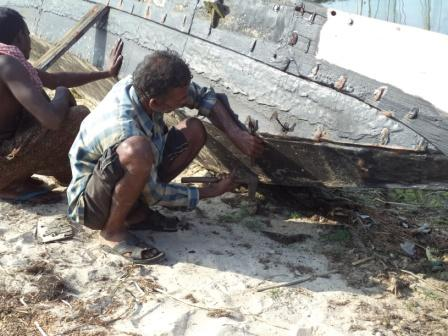Boat Repair under Phailin Response in Puri and Ganjam